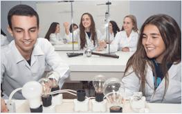 Laboratórios de Química, de Física e de Informática
